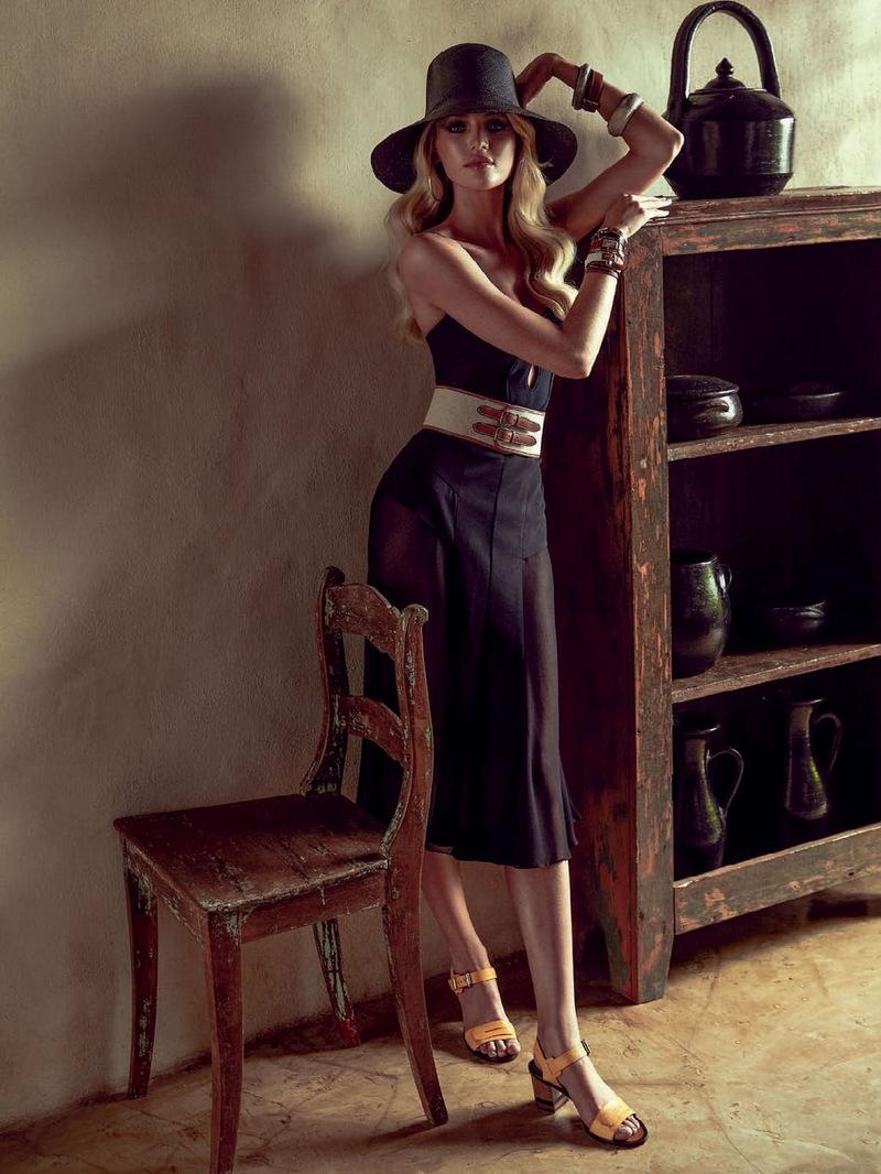 Vogue-Brazil-January-2014-Candice-Swanepoel-19